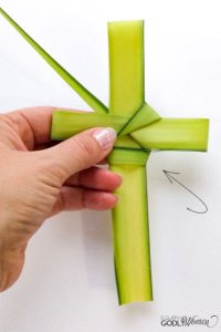 instructional photo for palm cross